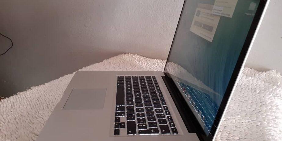Mac-book-Pro_4