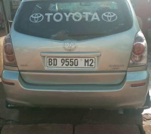 Toyota-verso004
